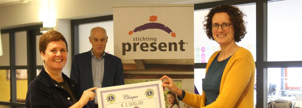 Donatie aan Stichting Present Amersfoort